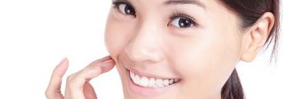 素敵な笑顔は白い歯から!歯の黄ばみを重曹で落とす方法