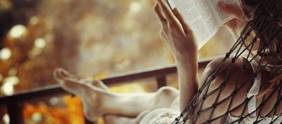 イライラする心を落ち着かせる読書法!週末に本を読む癒し効果
