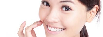 ほうれい線を消す顔ヨガ!表情筋を鍛えて頬のたるみを解消する方法