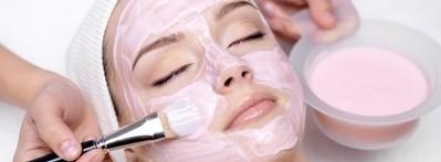 化粧品に含まれている成分のせい?肌老化を防ぐお化粧の仕方