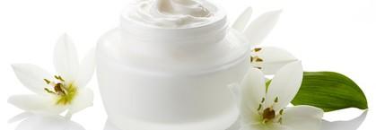 寝る前のお肌ケア!40代女性の幹細胞化粧品を使った手入れの仕方