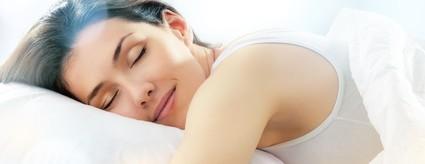 肌荒れは睡眠不足のせい?!ぐっすり眠るための秘策とは