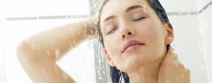 クレンジング後に入浴を!化粧したまま寝ちゃった時の対処法
