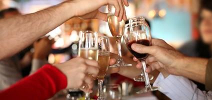 お酒の飲み過ぎは肝臓に悪い