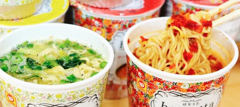 カップ麺などのインスタント食品