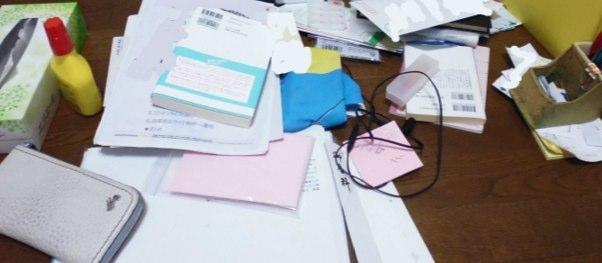 机上の汚れ