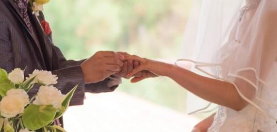 年齢で決める結婚のタイミング