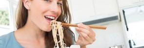 カップ麺は体に悪い?料理嫌いな女性を悩ますインスタント食品の弊害