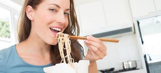 なぜカップ麺は体に悪い?料理下手な女性を悩ますインスタント食品の弊害