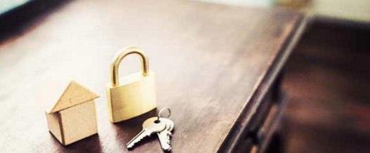 離れて暮らす実家の両親も安心!一人暮らしの女性のためのホームセキュリティーサービス