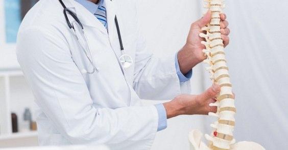整形外科を受診する