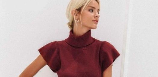 バーガンディのハイネックに合う秋冬のファッションコーデ