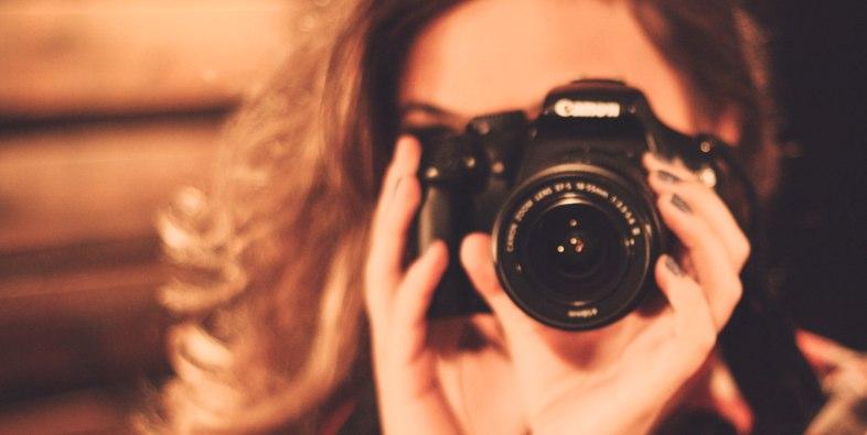 カメラマン(あなた)がモデルさんに指示を出す時の注意点